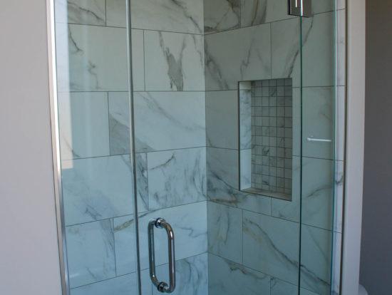 4437 - Shower